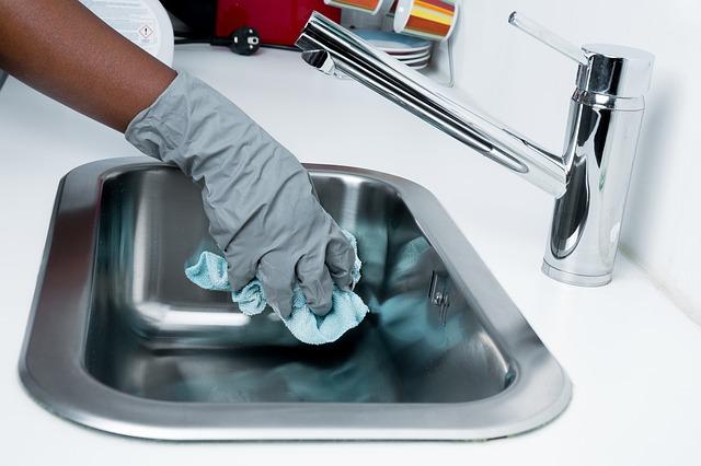 きれいに掃除される洗面台