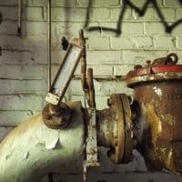 古びた水道管