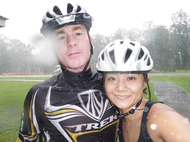 サイクリングに参加するMITSUさん夫婦