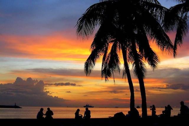 マニラ湾の夕暮れ